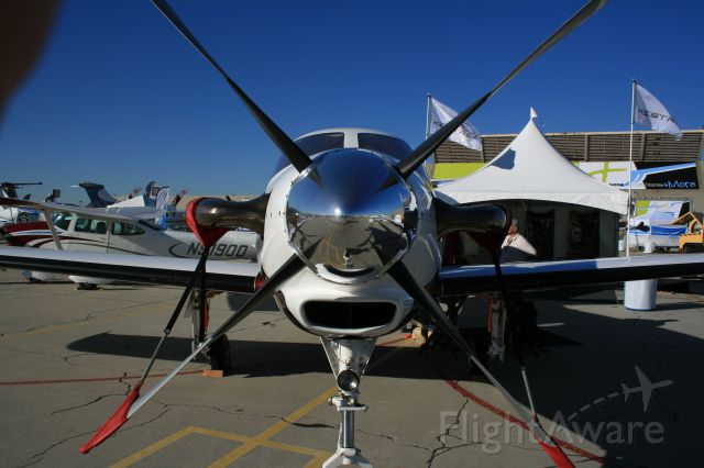 — — - Kestrel Aircraft SInge-Engine Turboprop (Formerly Epic LT) at AOPA AIrport Fest