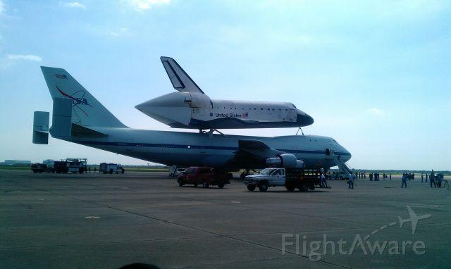 Boeing 747-200 (N905NA) - Farewell Endeavour