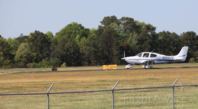 Cirrus SR-22 (N1287C) - Cirrus awaiting departure, Runway 5, KCRE Grand Strand