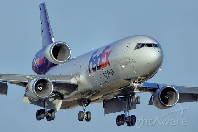 Boeing MD-11 (N618FE) - 22 approach.