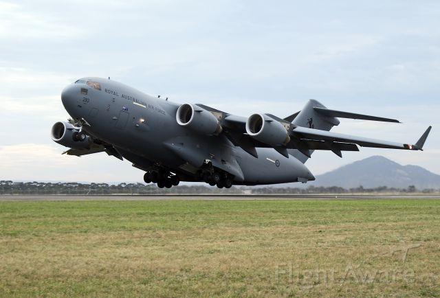 A41210 — - AUSTRALIA - AIR FORCE - BOEING C-17A GLOBEMASTER - REG A41-210 (CN F-239/AUS-5) - AVLON (GEELONG) VIC. AUSTRALIA - YMAV (1/3/2015)