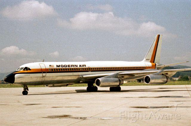 Piper Cherokee (N5617) - Modern AIr Convair CV-990A Coronado in 1968 at Klagenfurt (LOWK)