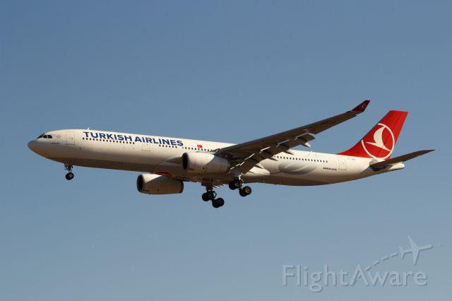 Airbus A330-300 (TC-JNO)