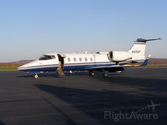 Learjet 60 (N60GF) - Minutes before takeoff, awaiting passengers.