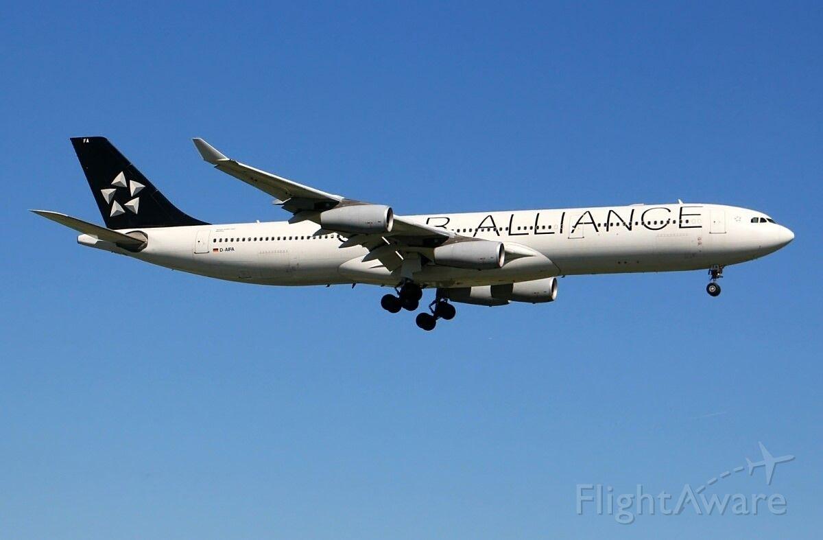 Airbus A340-300 (D-AIFA)