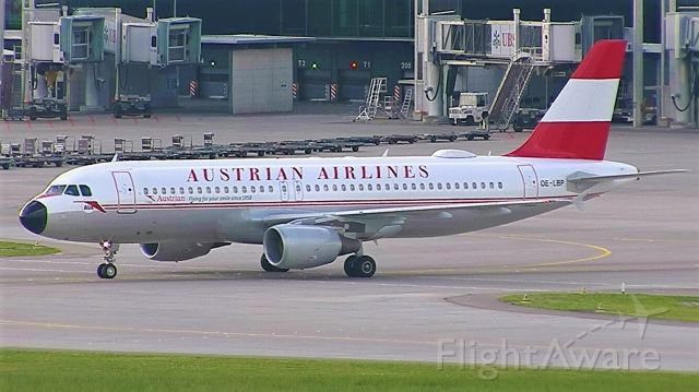 Airbus A320 (OE-LBP) - Retro Livery arriving at LSZH from Vienna as AUA#565