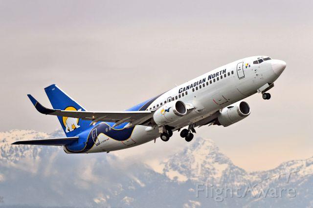 BOEING 737-300 (C-GCNU)