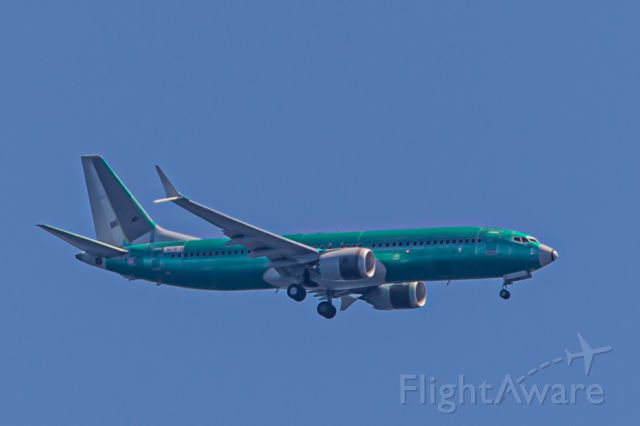 Boeing 737-800 (N1781B) - From my home in Kingston, WA, 14 miles NNW of Seattle