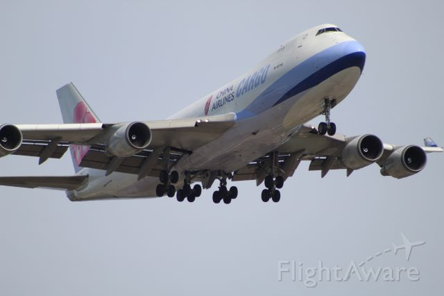 Boeing 747-400 (B-18716) - CAL5236 from Anchorage on 7/14/20. Landing on runway 28C.