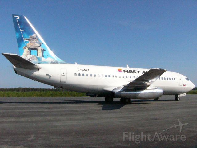Boeing 737-200 (C-GCPT) - First Air