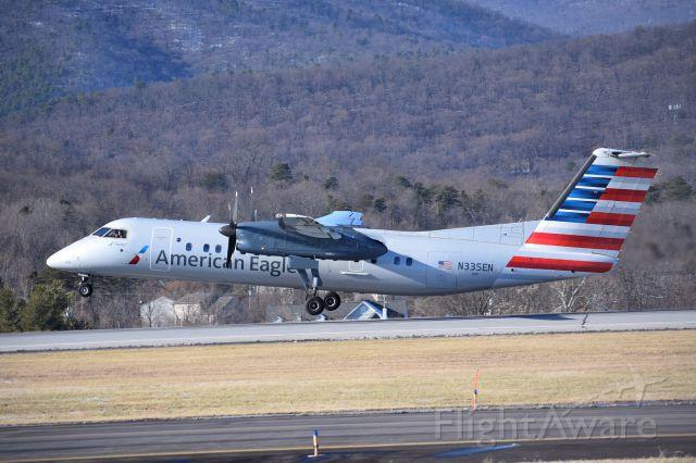 de Havilland Dash 8-300 (N335EN)