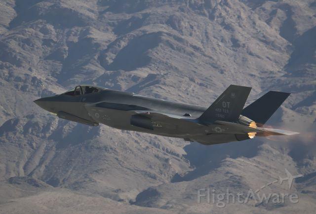 Lockheed F-35C — - F-35 Demo at Aviation Nation 2019.