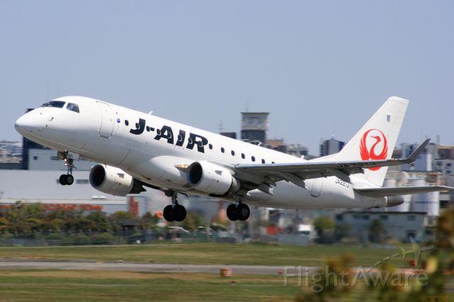 Embraer 170/175 (JA221J)