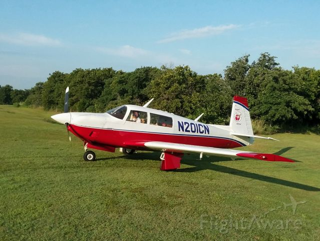 Mooney M-20 (N201CN) - Preparing for flight out of Twin Lakes Airport - Oklahoma