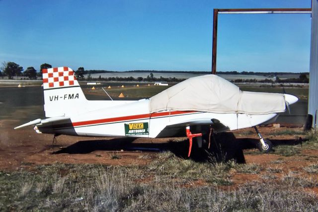 VH-FMA — - VICTA AIRTOURER - 115 - REG : VH-FMA (CN 24) - WEST WYALONG NSW. AUSTRALIA - YWWL 26/6/1988 35MM SLIDE CONVERSION USING A LIGHTBOX AND A NIKON L810 DIGITAL CAMERA IN THE MACRO MODE