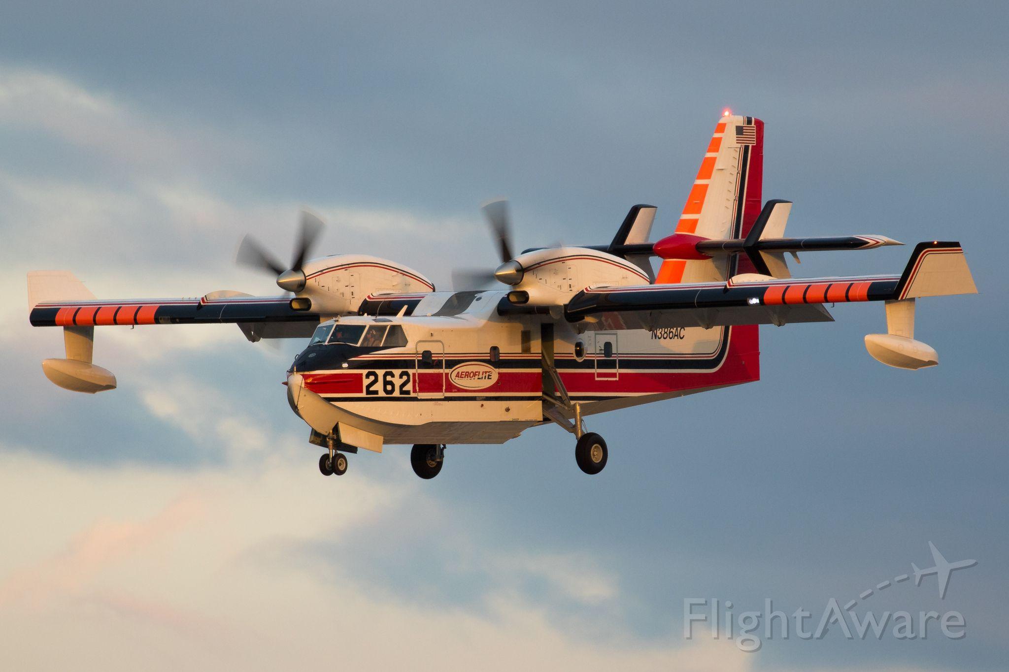 Canadair CL-415 SuperScooper (N386AC)