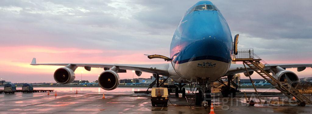 Boeing 747-200 (PH-CKB) - PH-CKB (Leeuwin) Stand S-77 AMSbr /EHAM. Sunset.