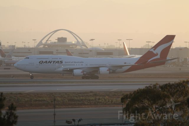 Boeing 747-400 (VH-OEH) - LANDED