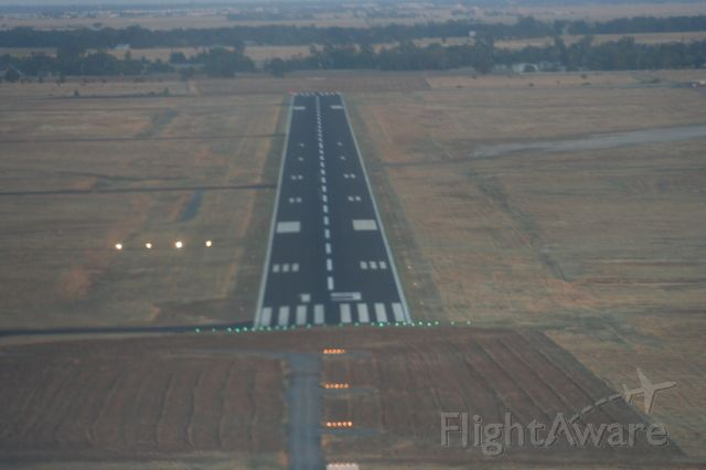 — — - Runway 15 - Lincoln Harder Regional Airport