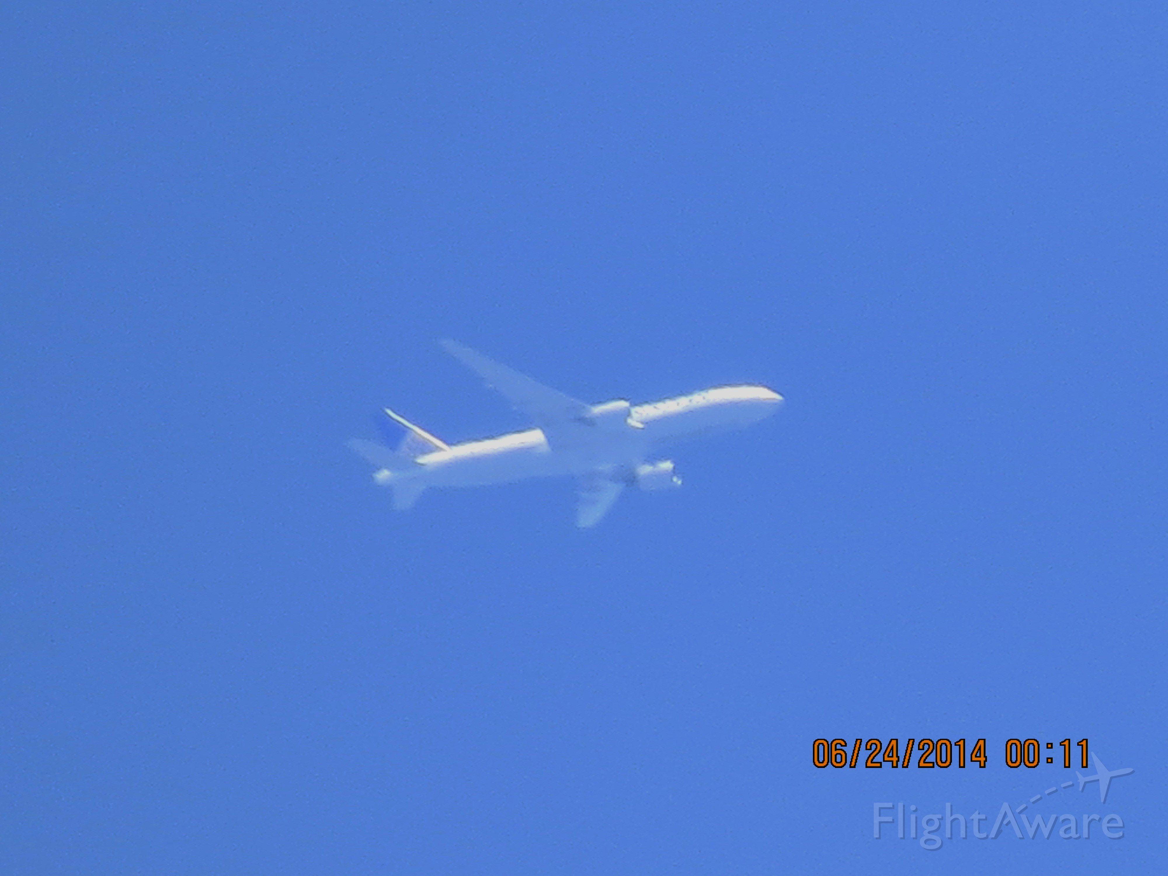 BOEING 777-200LR (N796UA) - United flight 326 from LAX to IAD over Baxter Springs Ks at 34,975 feet.