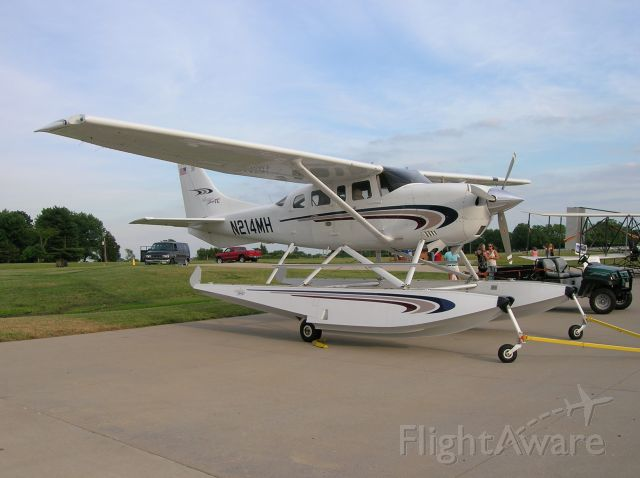 Cessna 206 Stationair (N214MH)
