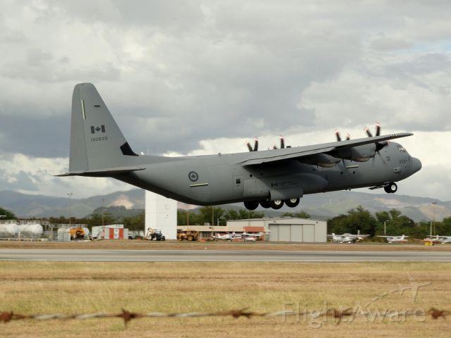 Lockheed C-130 Hercules (13-0609)