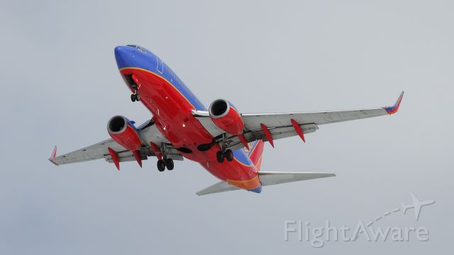 Boeing 737-700 — - Southwest Boeing 737 preparing to land a IND.