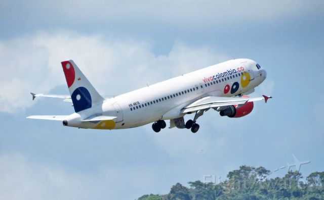 Airbus A320 (HK4818) - Viva Colombia A320 climbout from Rwy 36.