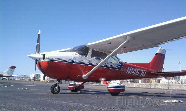 Cessna Skyhawk (N1457U) - C-172 on ramp at KTTN