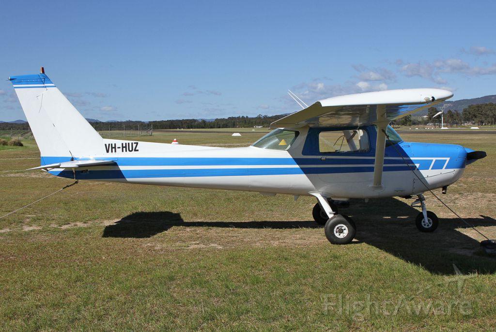 Cessna 152 (VH-HUZ)