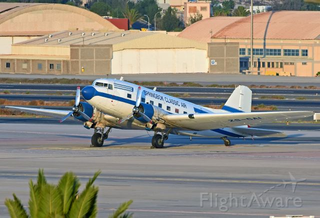 Douglas DC-3 (ZS-CAI) - Beautiful aircraft of Springbok Classic Air.