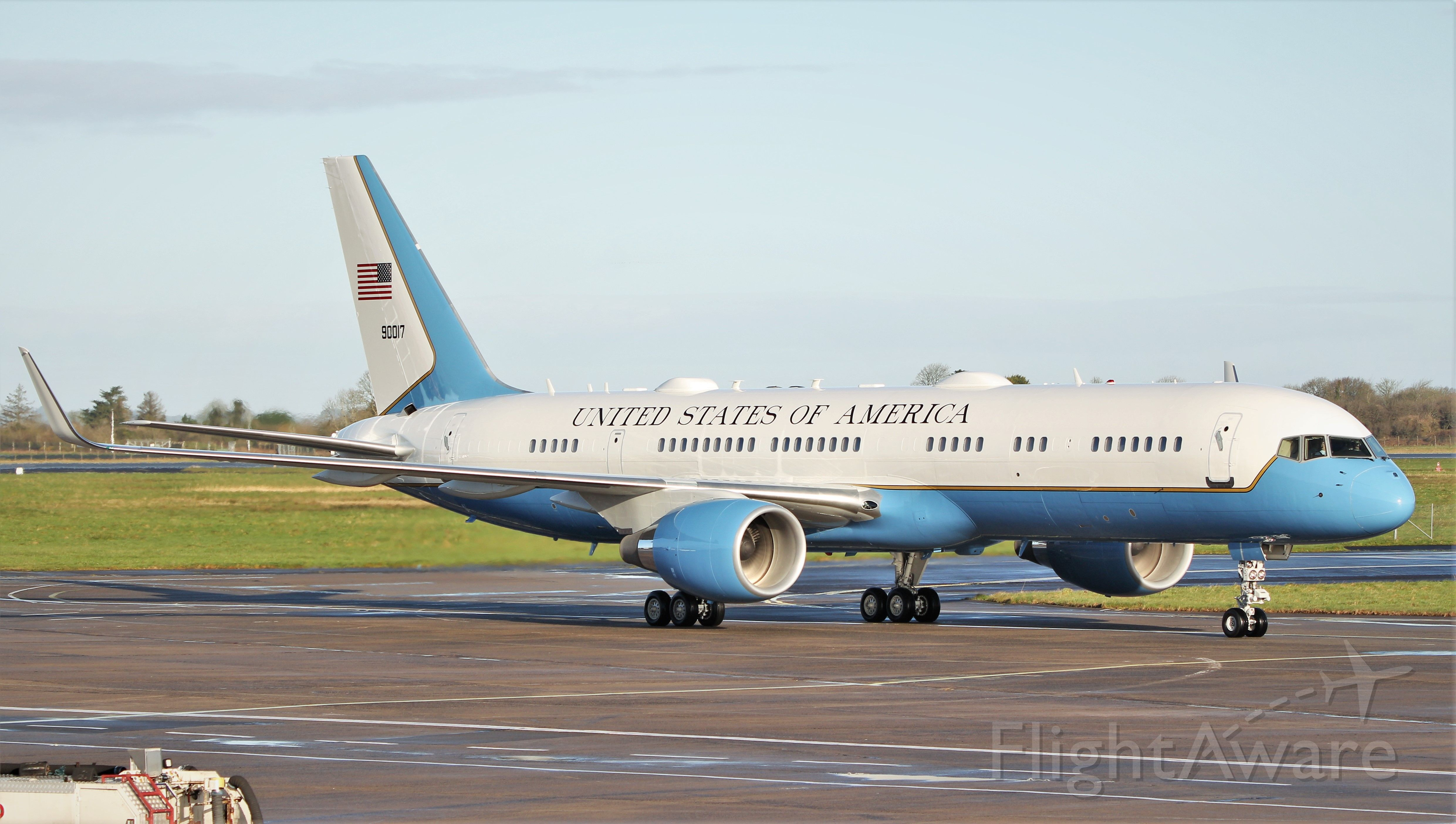 Boeing 757-200 (09-0017) - sam18 usaf c-32a 09-0017 arriving in shannon 27/2/20.