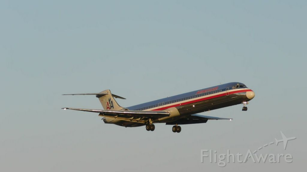 McDonnell Douglas MD-83 (N437AA) - 100th bomb group