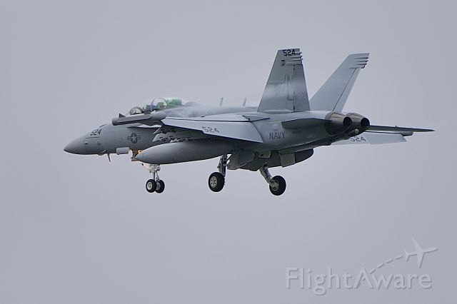 16-6944 — - Final approach to NAS Whidbey