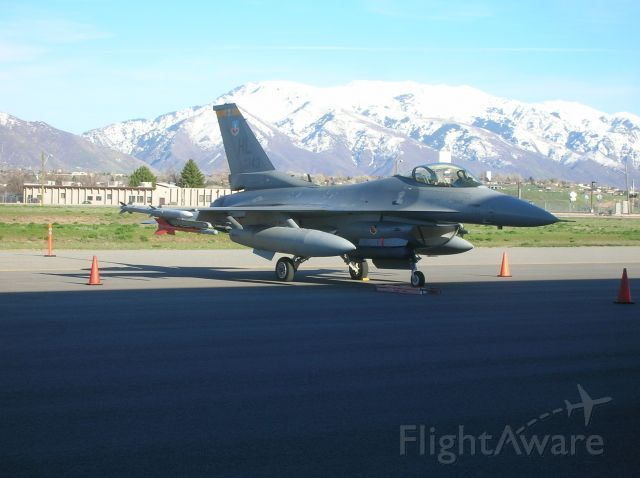 Lockheed F-16 Fighting Falcon — - 88-0143