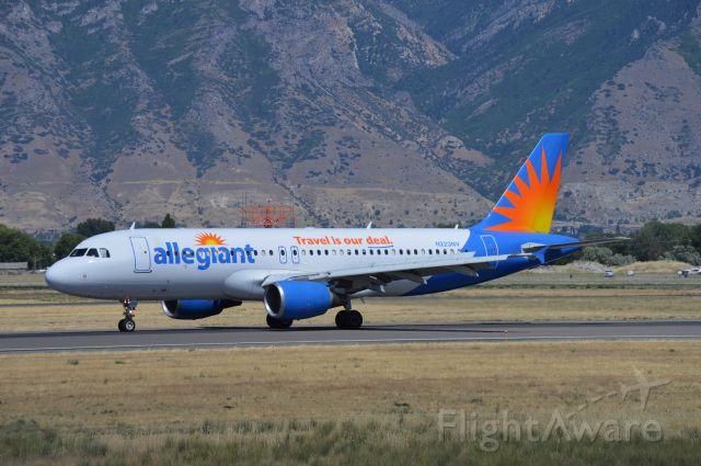 Airbus A320 (N223NV) - AAY132 arriving on 31 from Phoenix-Mesa (KIWA/IWA).