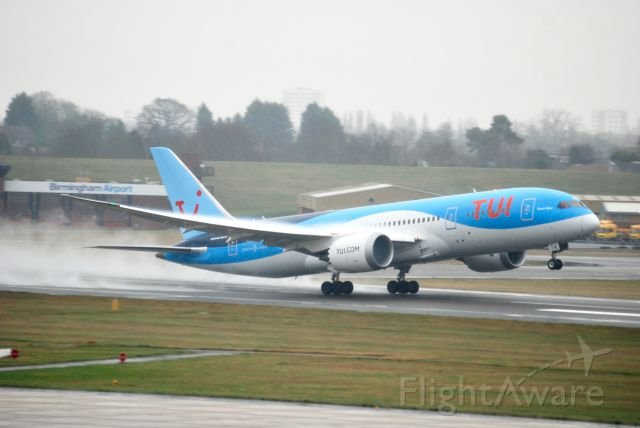 Boeing 787-9 Dreamliner (G-TUIC) - Taken on a cold and damp Saturday from Freeport Carpark