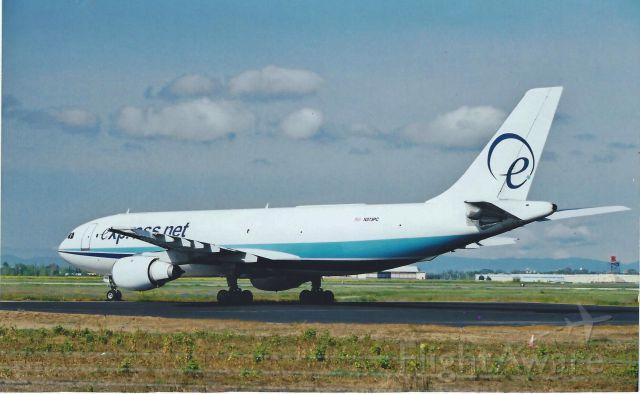 Airbus A310 (N373PC)