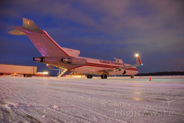BOEING 727-200 (N729CK) - KFS729 loading for KSDF