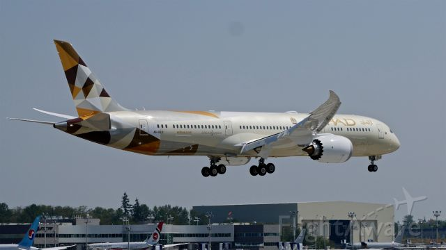 Boeing 787-9 Dreamliner (A6-BLU) - BOE112 on final to Rwy 16R to complete a B1 flight on 8.17.18. (ln 744 / cn 39675).