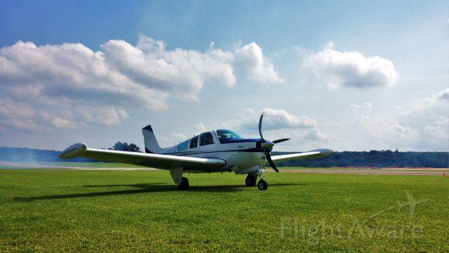 Beechcraft Bonanza (33) (PR-GBL)