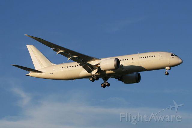 Boeing Dreamliner (Srs.8) (N1020K) - N1020K landing in Fort Worth 7.12.12 (Photo by Zane Adams)