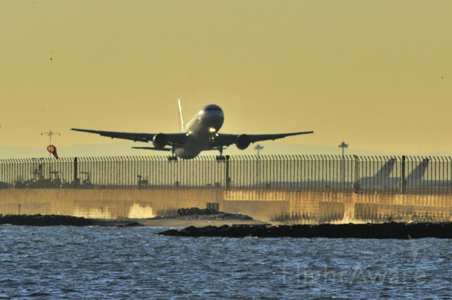 BOEING 767-300 (JA8269) - At Sunrise. Stored 05/2015