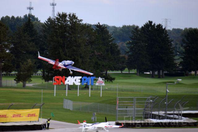 — — - Matt Hall side slip to land over Dolderer. 2016 Indy Red Bull Air Race.