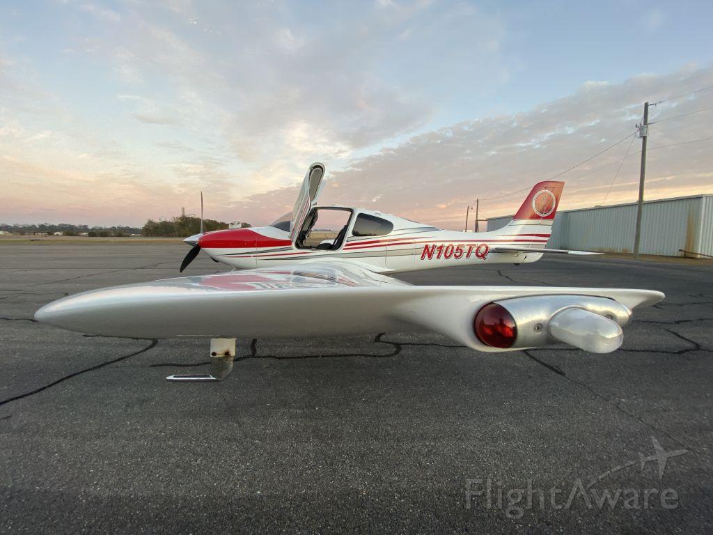 Cirrus SR-22 (N105TQ)