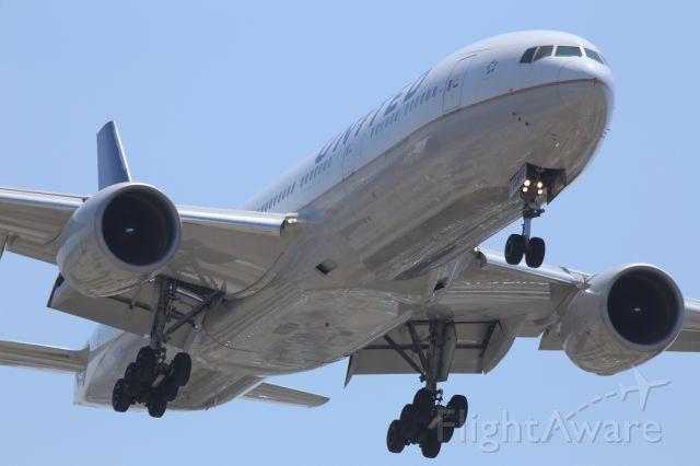 Boeing 777-200 (N797UA)