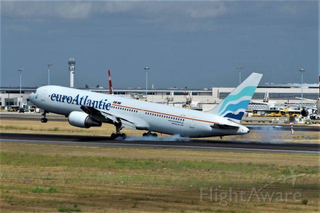 BOEING 767-300 (CS-TKS) - Lisbon Humberto Delgado Airport (LIS / LPPT)   09-09-2017