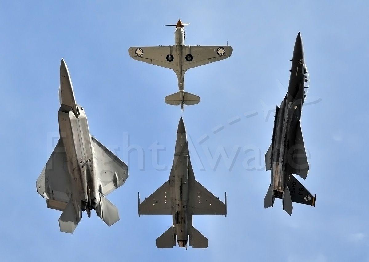 Lockheed F-22 Raptor — - Heritage break away pass at Lackland AFB Airshow 2008.