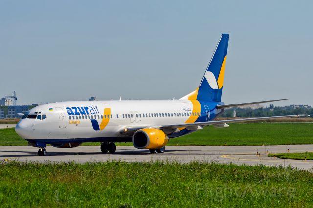 Boeing 737-800 (UR-UTP)