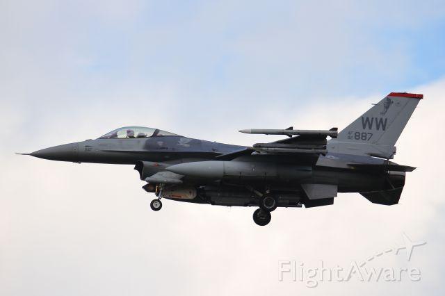 Lockheed F-16 Fighting Falcon (92-0887)